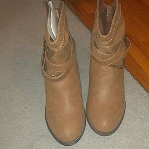 Nwot! SO ankle boots
